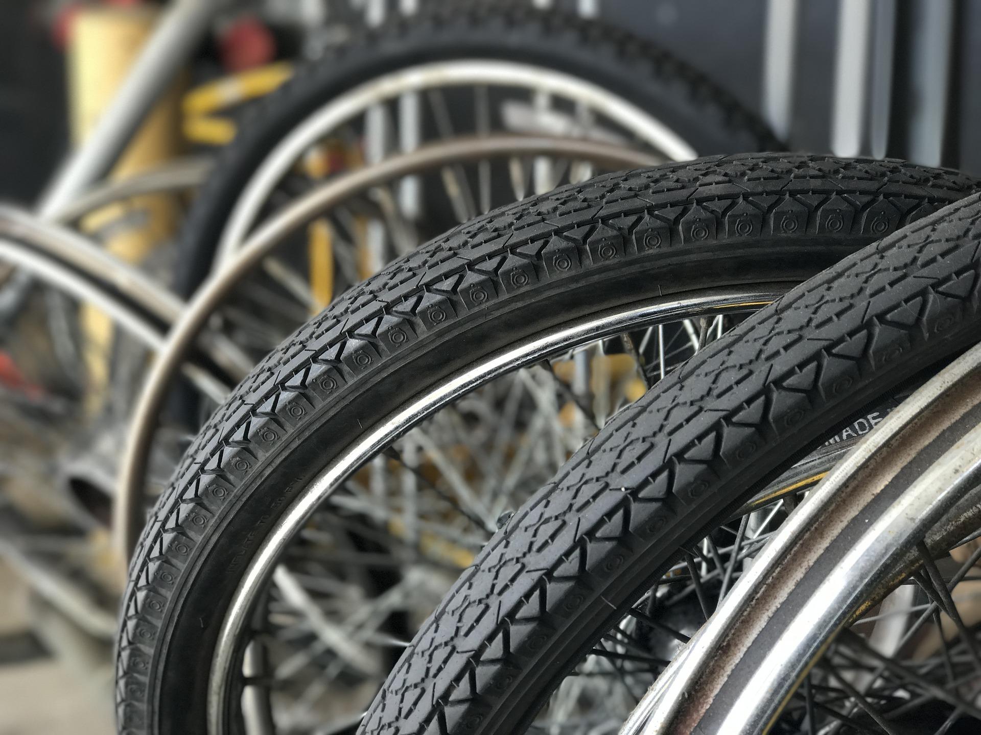 cykel dæk hjul cykelsmed tylubeatz / pixabay