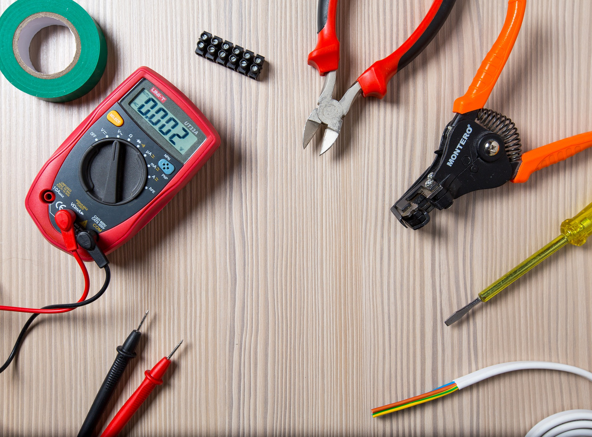 elektronik elektriker strøm