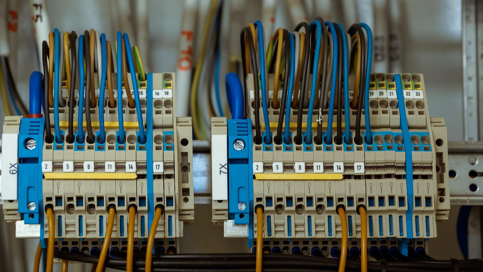 elinstallation elinstallatør strøm
