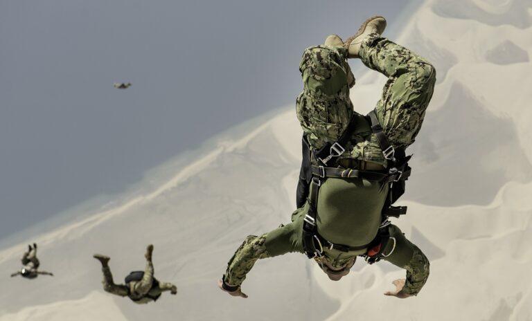 jægersoldat soldat krig faldskærm